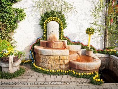 Osterbrunnen in Kirchehrenbach
