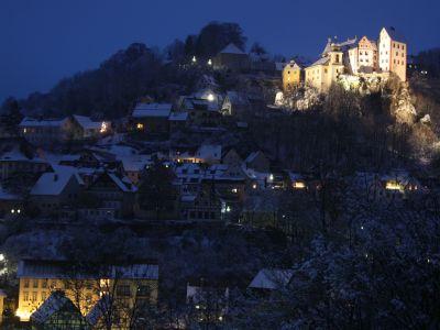Winterliches Egloffstein bei Nacht